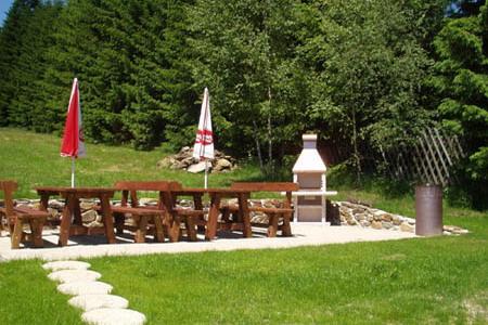 Ubytování na horách - Horské domy v Krušných horách - venkovní posezení